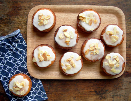 Mini Almond, Lemon and Semolina Cakes