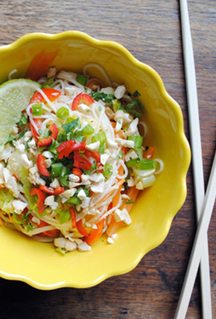 Phad-Thai-Noodle-Salad