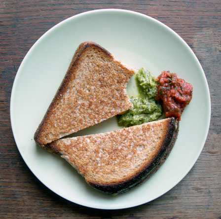 grilled-cheese-chutney